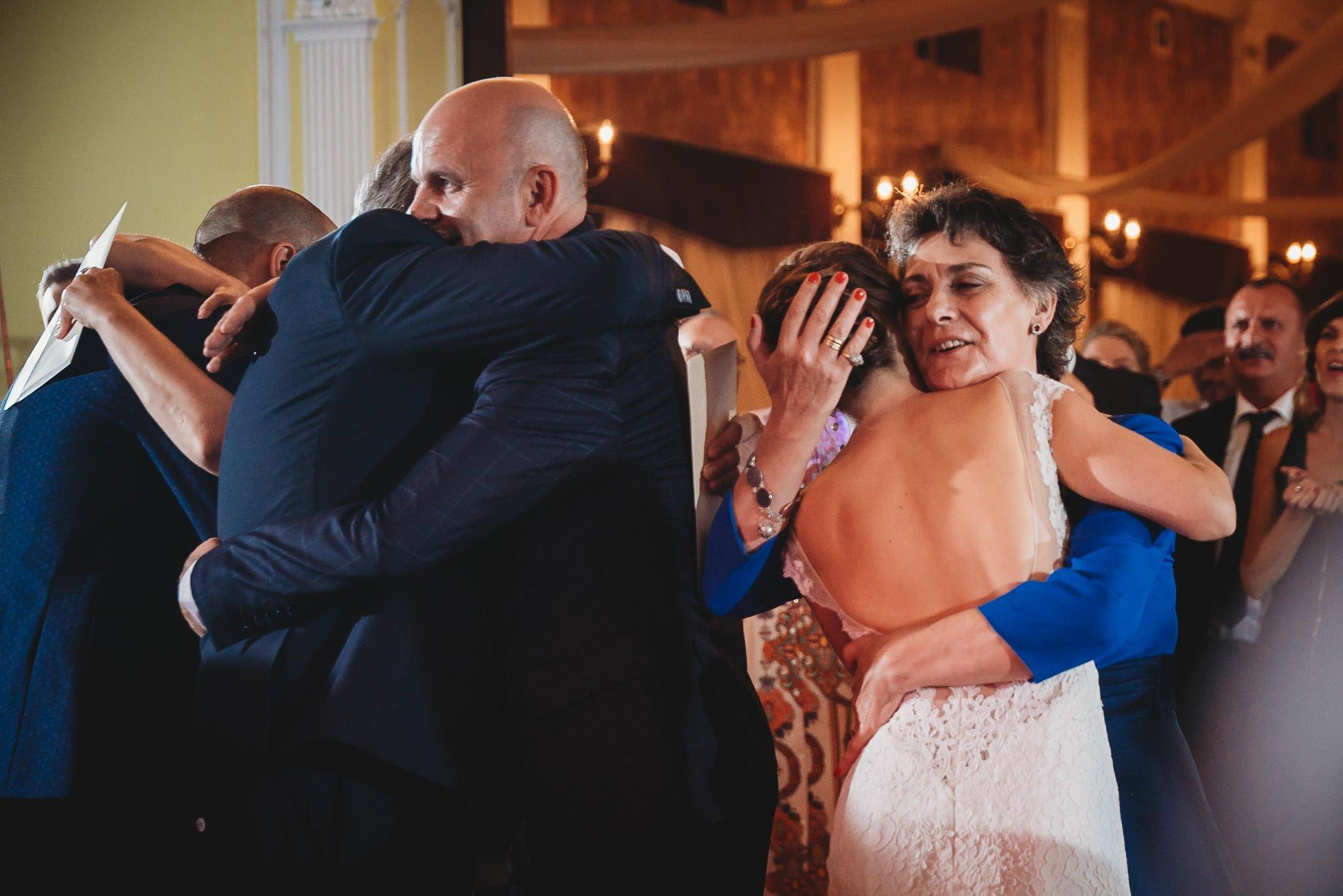 Płacz, łzy, śmiech, szał mieszanka wybuchowych emocji na niezapomnianym ślubie w Jaocinie| fotograf ślubny Konin 513