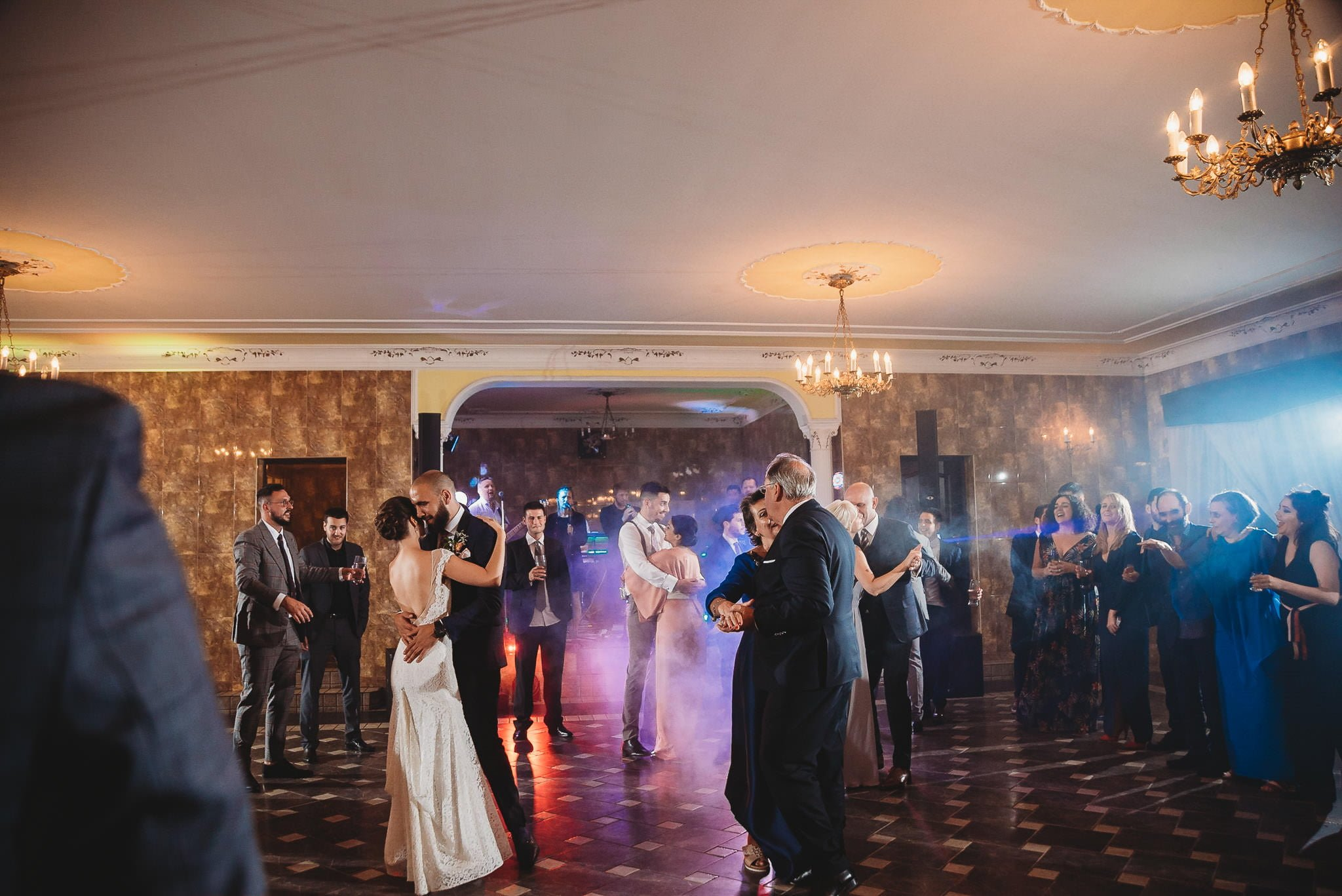 Płacz, łzy, śmiech, szał mieszanka wybuchowych emocji na niezapomnianym ślubie w Jaocinie| fotograf ślubny Konin 517