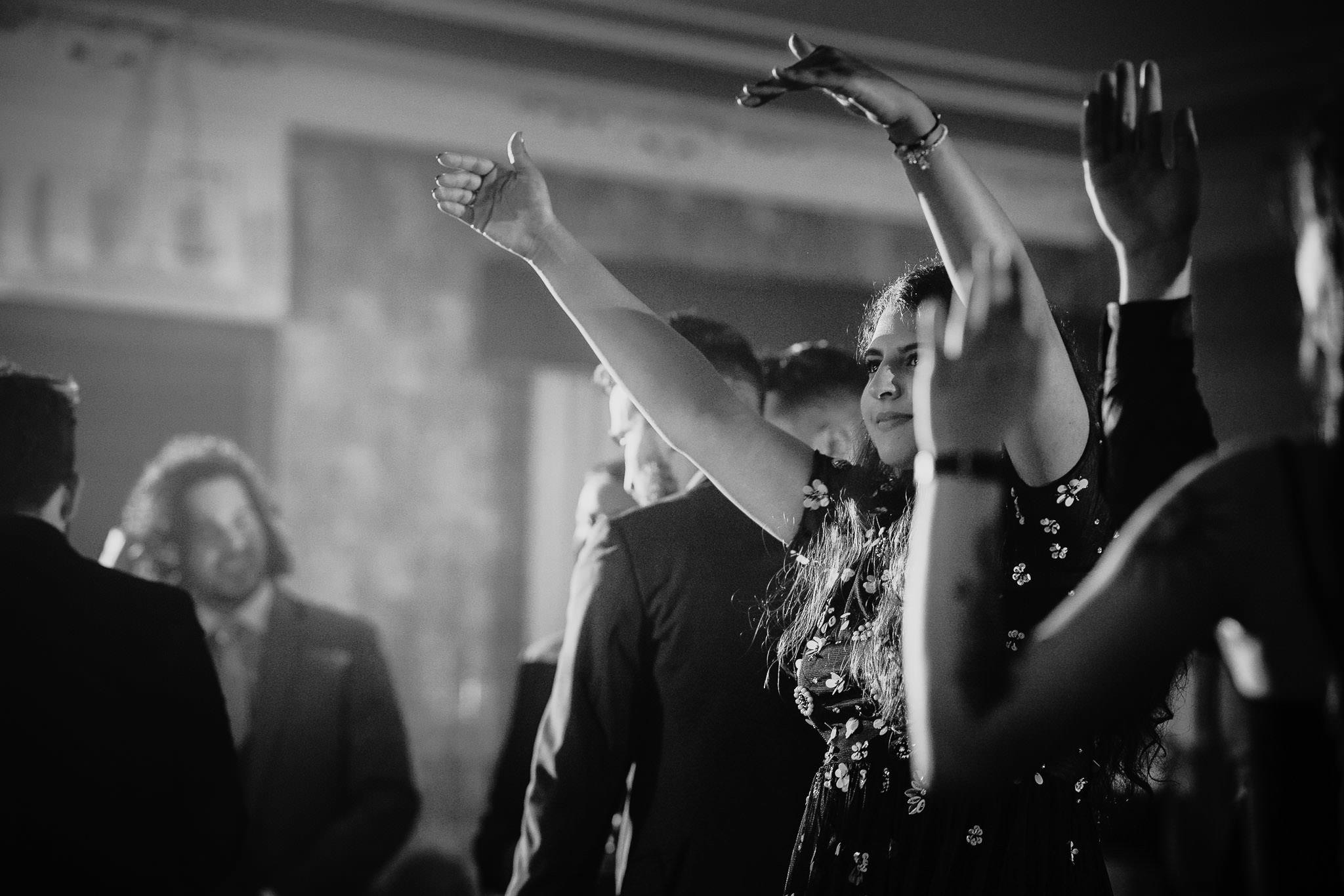 Płacz, łzy, śmiech, szał mieszanka wybuchowych emocji na niezapomnianym ślubie w Jaocinie| fotograf ślubny Konin 536