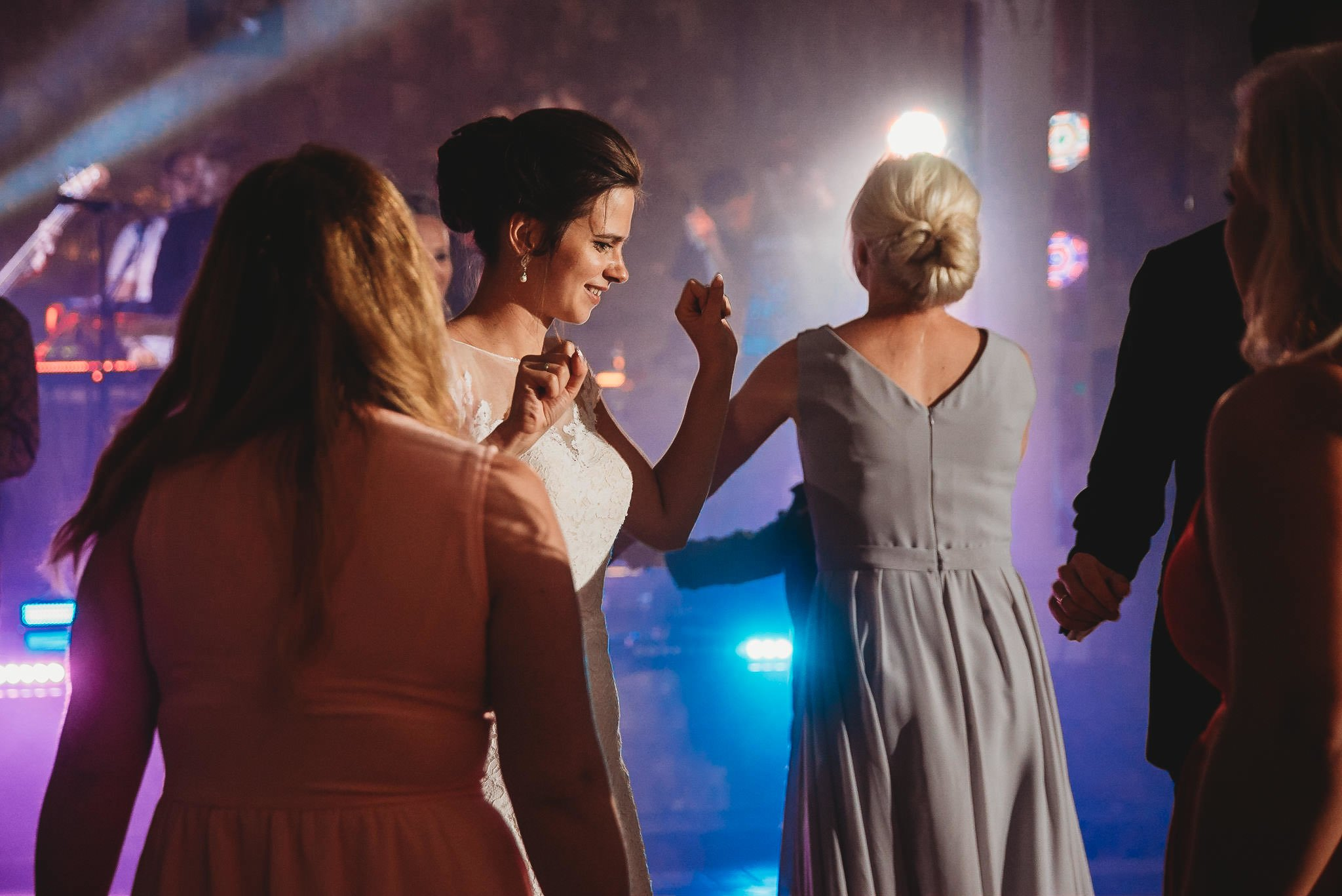 Płacz, łzy, śmiech, szał mieszanka wybuchowych emocji na niezapomnianym ślubie w Jaocinie| fotograf ślubny Konin 544
