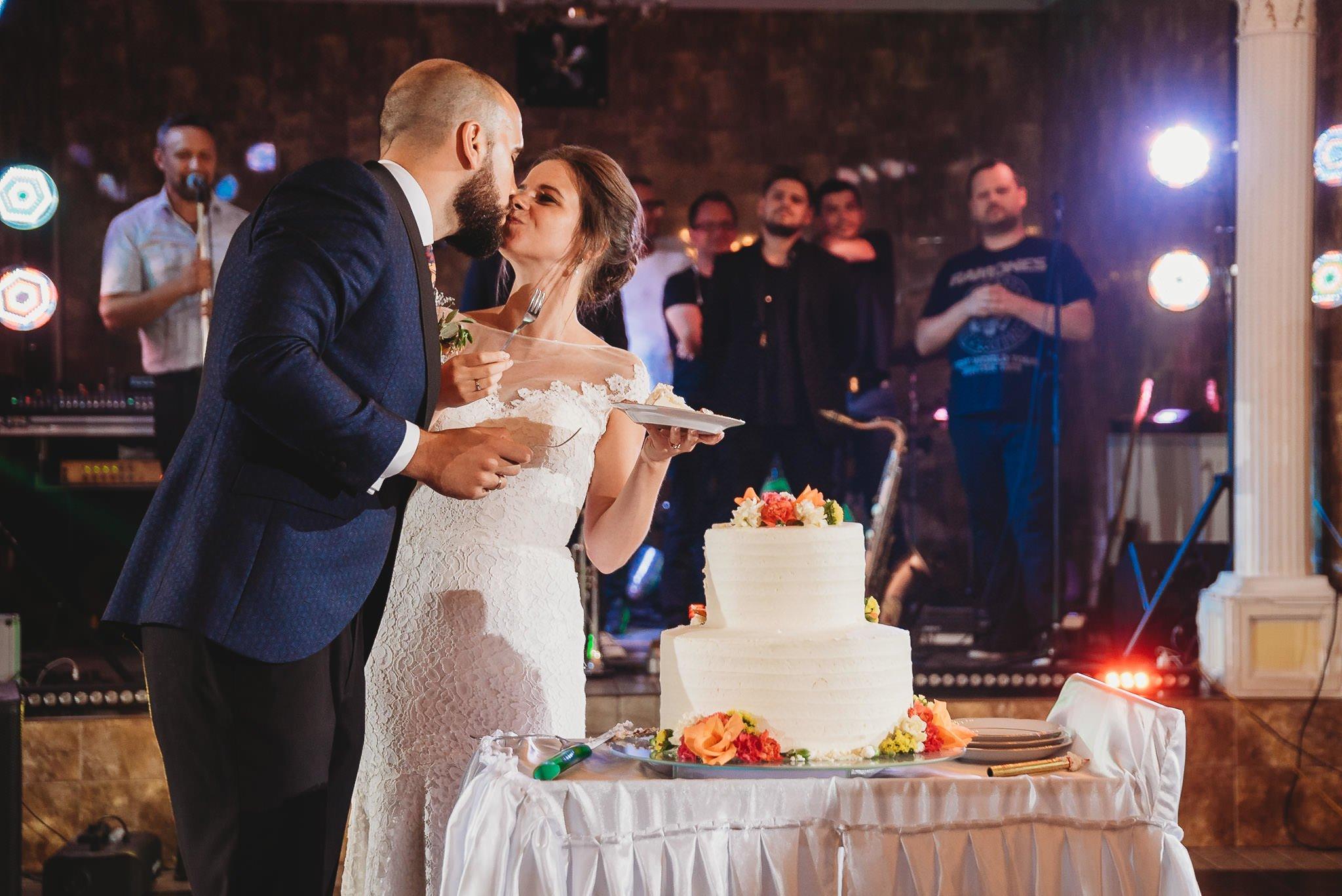Płacz, łzy, śmiech, szał mieszanka wybuchowych emocji na niezapomnianym ślubie w Jaocinie| fotograf ślubny Konin 556