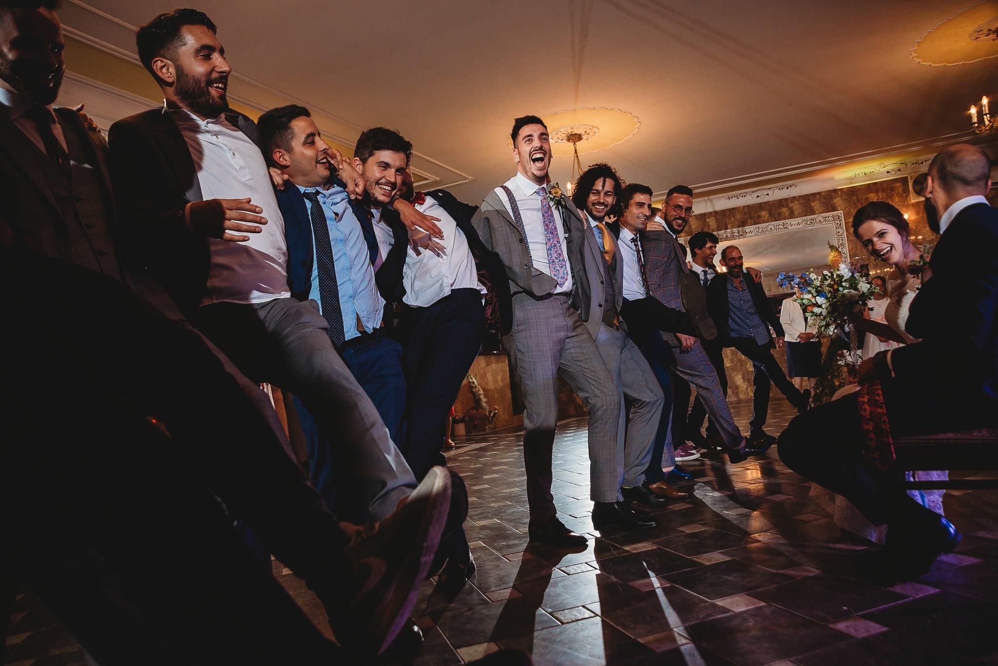 Płacz, łzy, śmiech, szał mieszanka wybuchowych emocji na niezapomnianym ślubie w Jaocinie| fotograf ślubny Konin 566