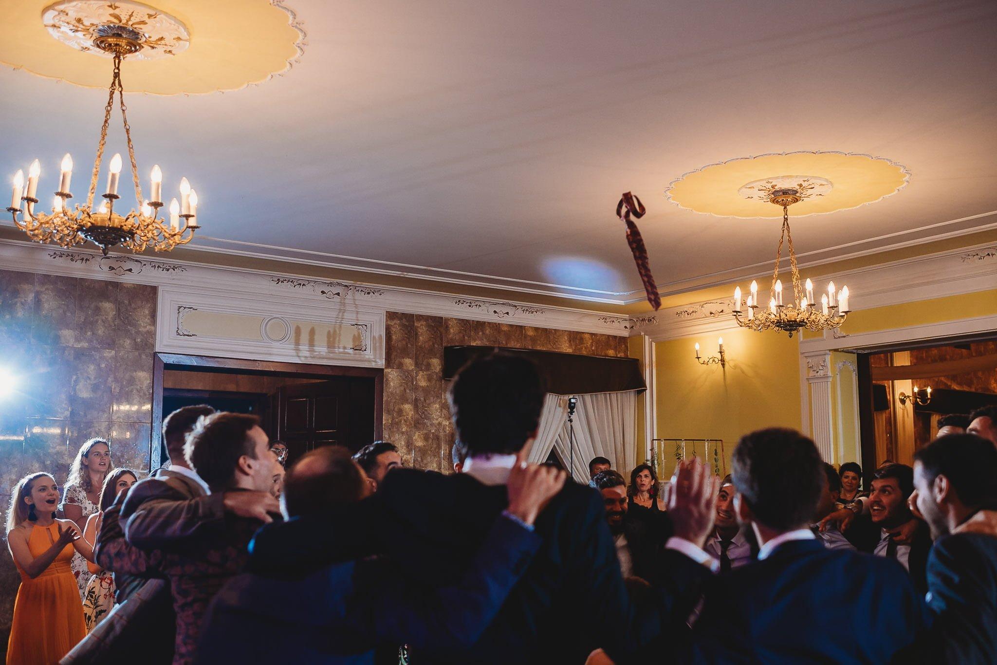 Płacz, łzy, śmiech, szał mieszanka wybuchowych emocji na niezapomnianym ślubie w Jaocinie| fotograf ślubny Konin 570