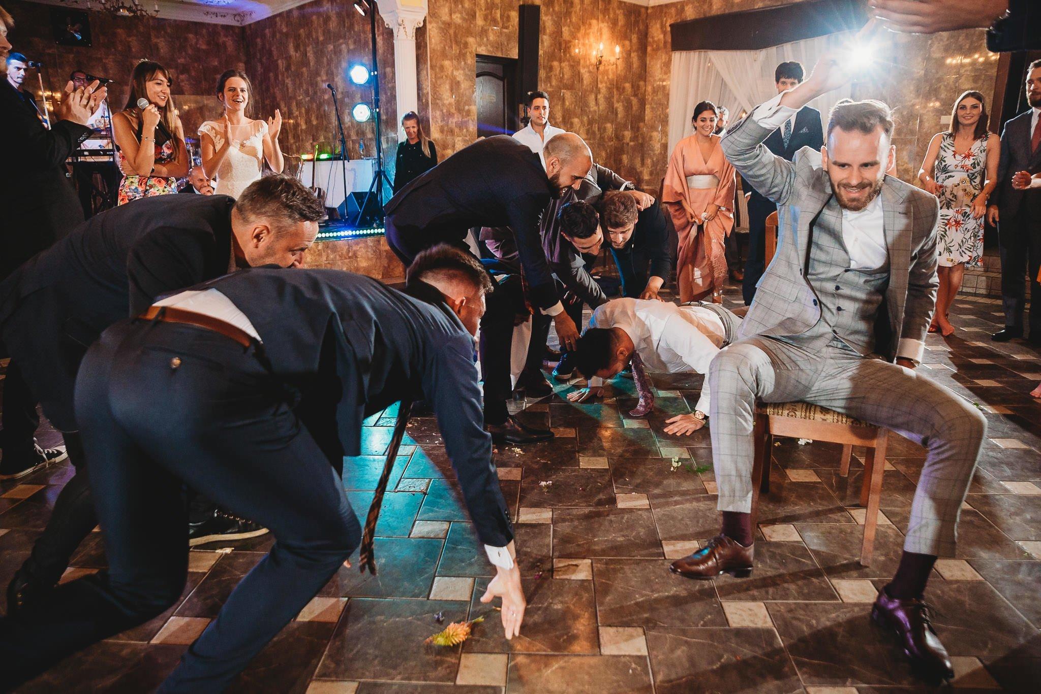 zabawa weselna, ślub, emocje, chłopaki, Jarocin