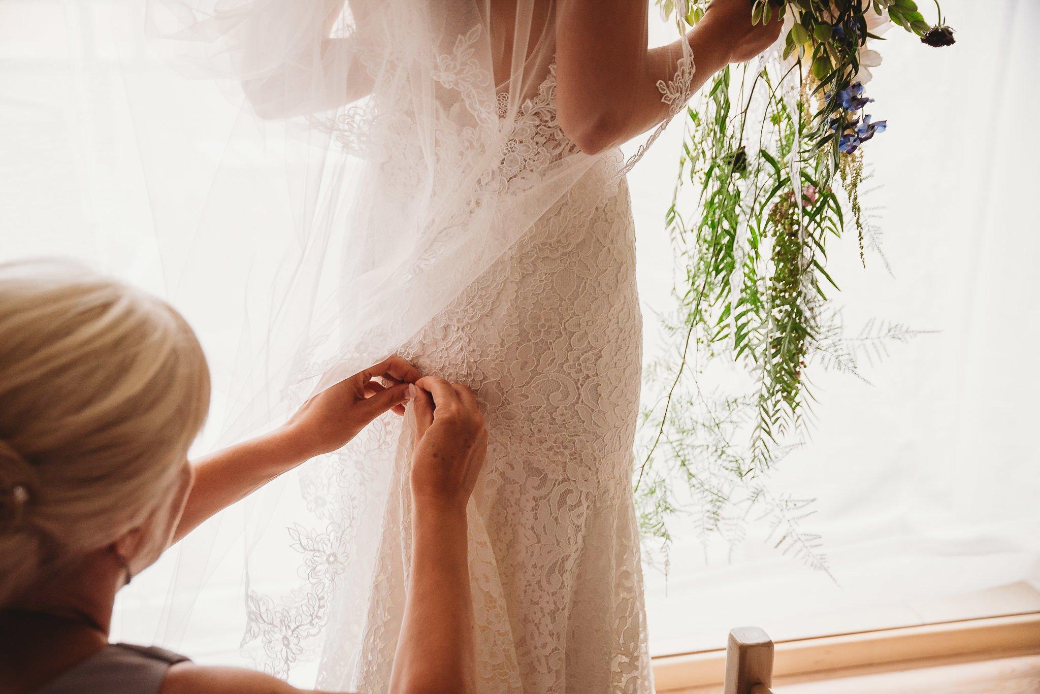 Płacz, łzy, śmiech, szał mieszanka wybuchowych emocji na niezapomnianym ślubie w Jaocinie| fotograf ślubny Konin 41