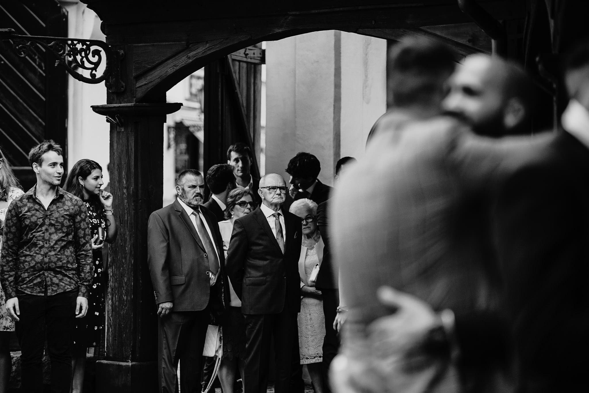 Płacz, łzy, śmiech, szał mieszanka wybuchowych emocji na niezapomnianym ślubie w Jaocinie| fotograf ślubny Konin 85