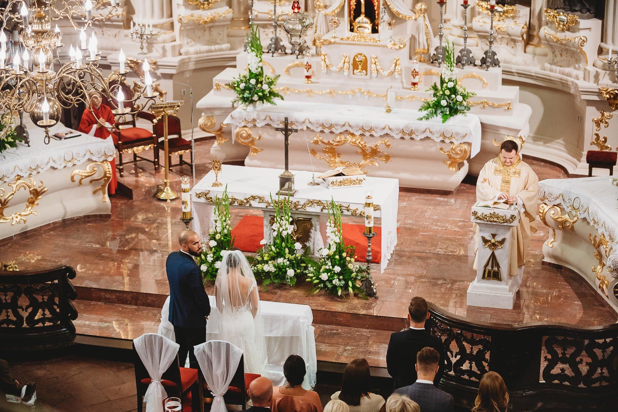 Płacz, łzy, śmiech, szał mieszanka wybuchowych emocji na niezapomnianym ślubie w Jaocinie| fotograf ślubny Konin 123
