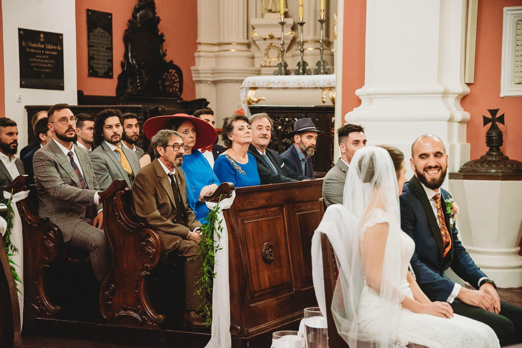 Płacz, łzy, śmiech, szał mieszanka wybuchowych emocji na niezapomnianym ślubie w Jaocinie| fotograf ślubny Konin 131