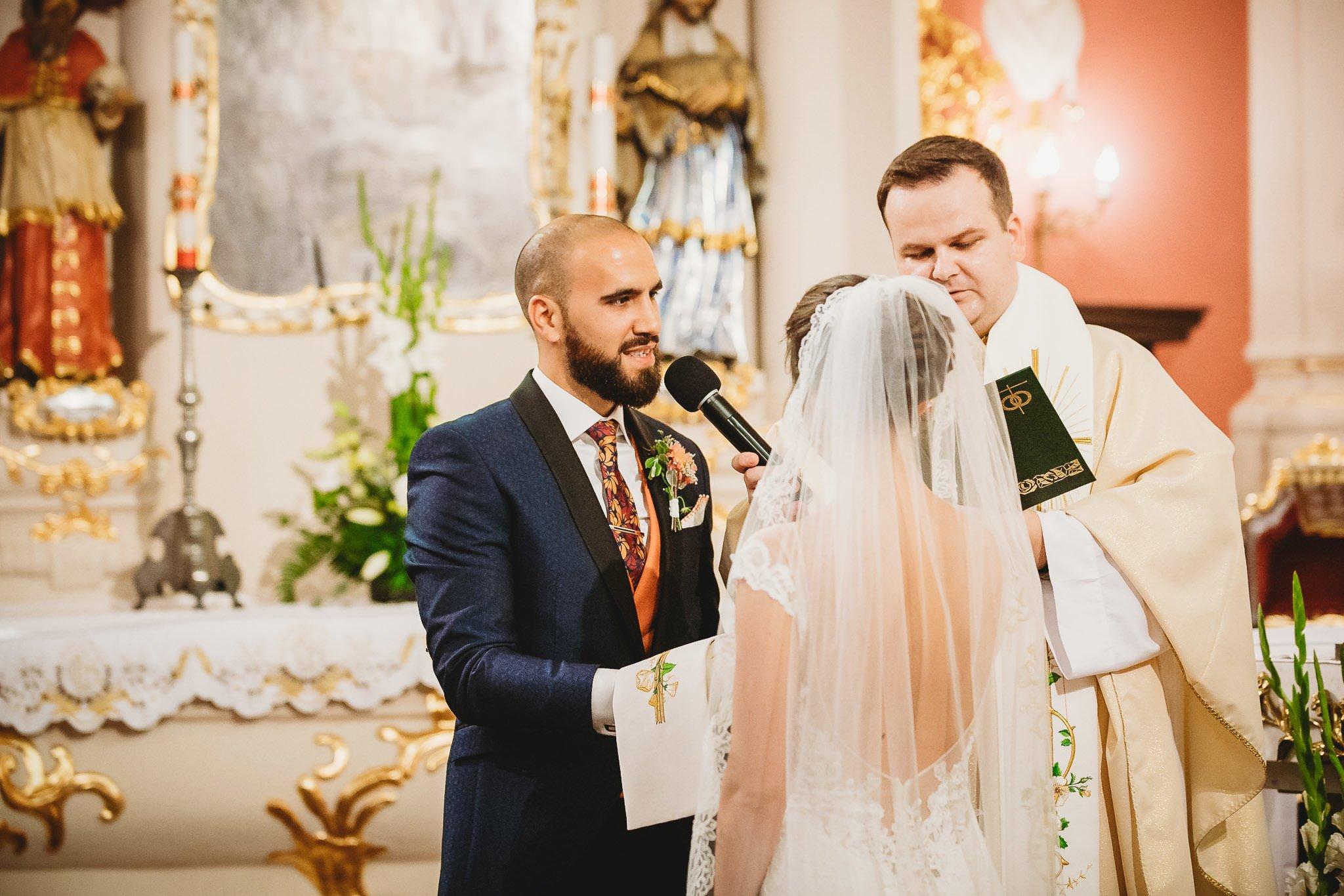 Płacz, łzy, śmiech, szał mieszanka wybuchowych emocji na niezapomnianym ślubie w Jaocinie| fotograf ślubny Konin 141