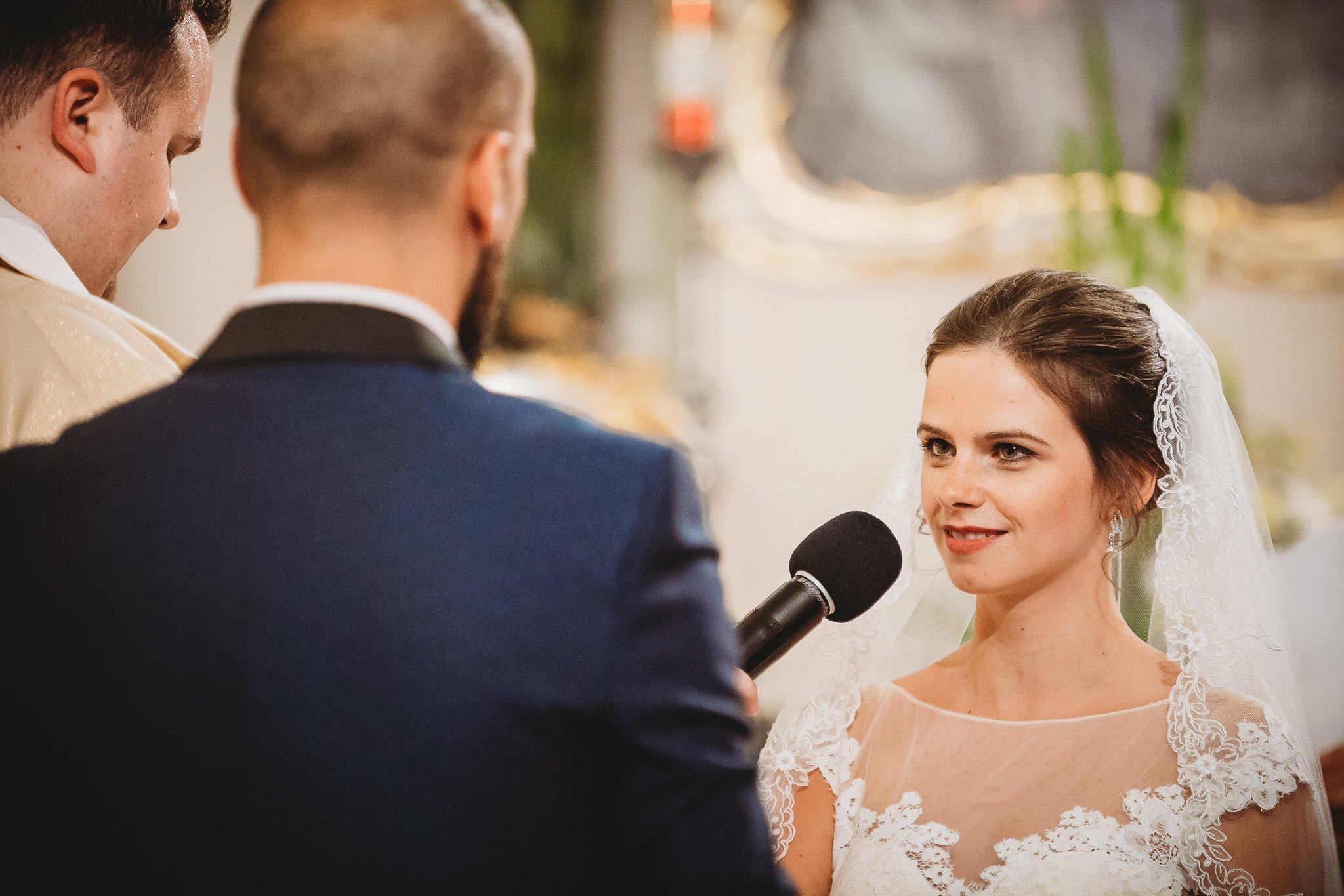 Płacz, łzy, śmiech, szał mieszanka wybuchowych emocji na niezapomnianym ślubie w Jaocinie| fotograf ślubny Konin 145