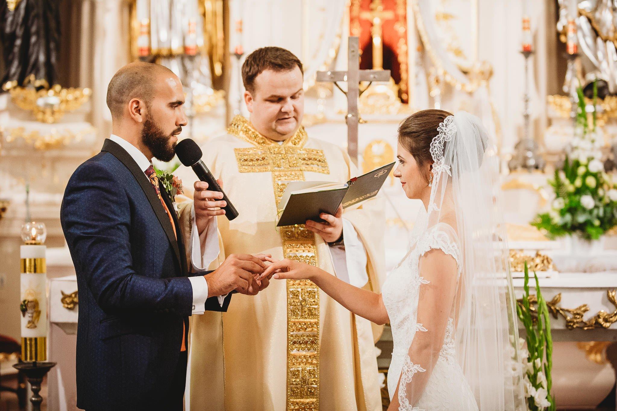 Płacz, łzy, śmiech, szał mieszanka wybuchowych emocji na niezapomnianym ślubie w Jaocinie| fotograf ślubny Konin 151