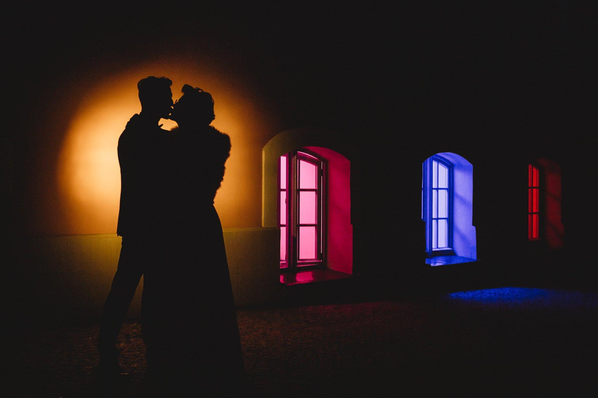 doświadczony fotograf ślubny, kreatywne wykorzystanie miejsca, zamek w szczecinku