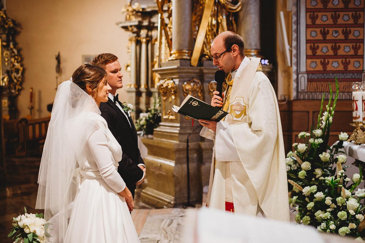 Dorota i Tomasz-wesele Hotel Kristoff Kalisz, sesja ślubna w Lubiążu 135