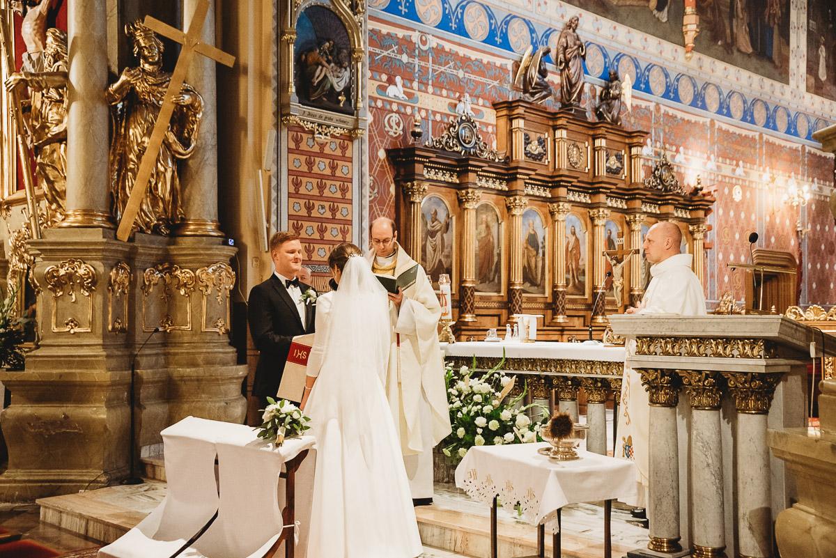 Dorota i Tomasz-wesele Hotel Kristoff Kalisz, sesja ślubna w Lubiążu 145