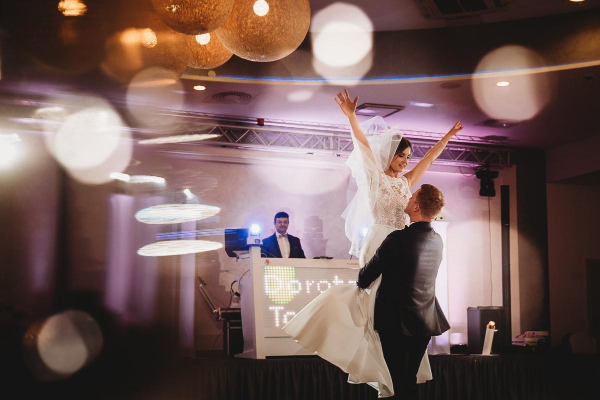 Dorota i Tomasz-wesele Hotel Kristoff Kalisz, sesja ślubna w Lubiążu 209