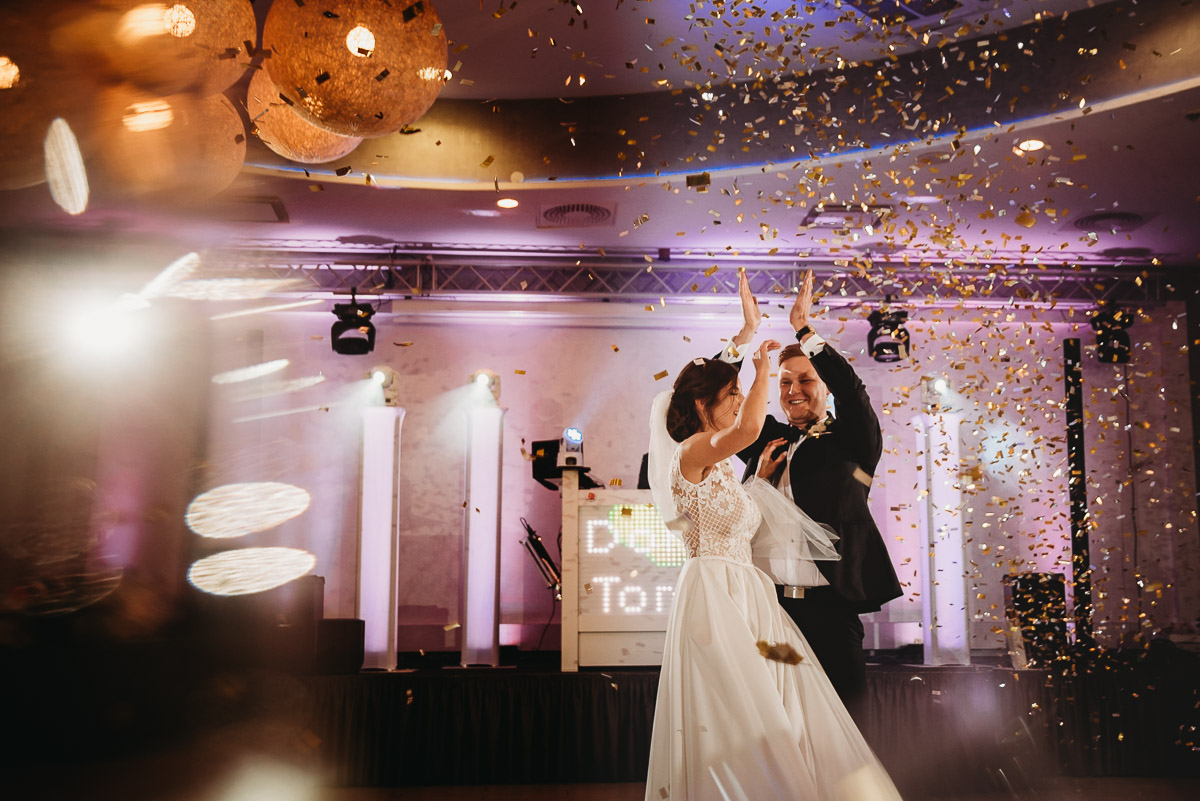 Dorota i Tomasz-wesele Hotel Kristoff Kalisz, sesja ślubna w Lubiążu 215