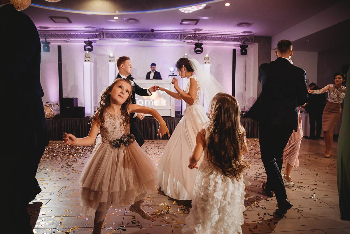 Dorota i Tomasz-wesele Hotel Kristoff Kalisz, sesja ślubna w Lubiążu 219