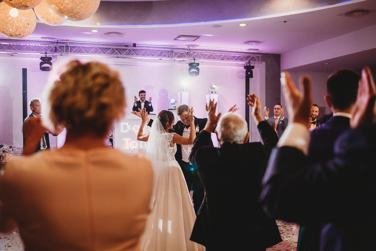 Dorota i Tomasz-wesele Hotel Kristoff Kalisz, sesja ślubna w Lubiążu 221