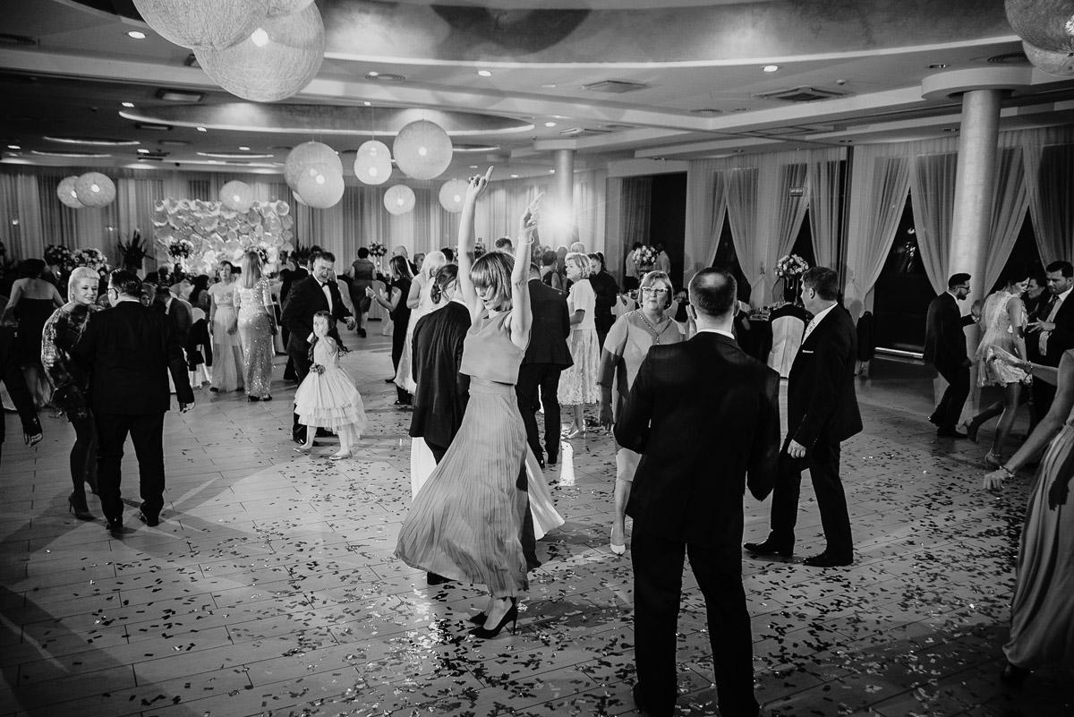 Dorota i Tomasz-wesele Hotel Kristoff Kalisz, sesja ślubna w Lubiążu 239