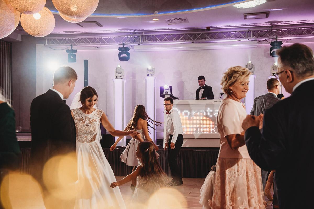 Dorota i Tomasz-wesele Hotel Kristoff Kalisz, sesja ślubna w Lubiążu 265