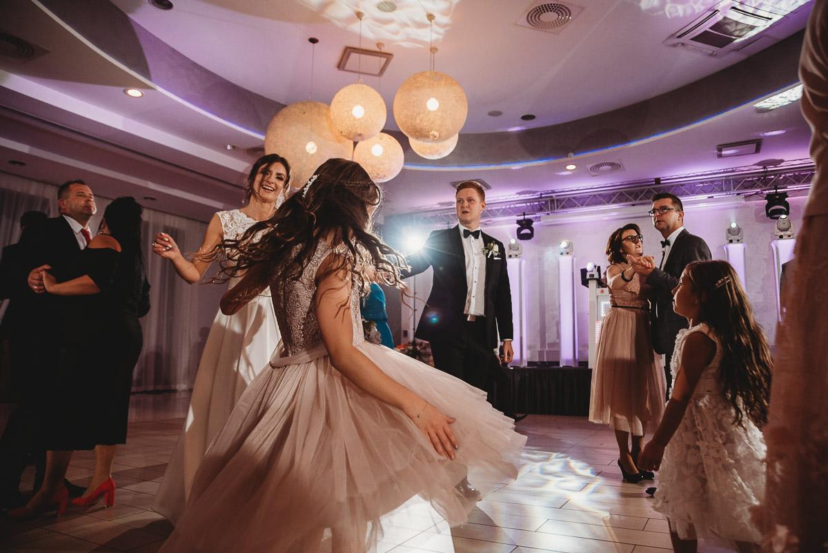 Dorota i Tomasz-wesele Hotel Kristoff Kalisz, sesja ślubna w Lubiążu 271