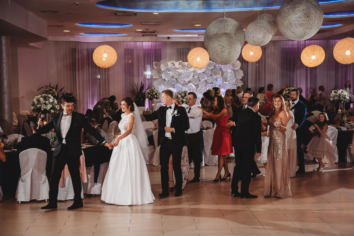 Dorota i Tomasz-wesele Hotel Kristoff Kalisz, sesja ślubna w Lubiążu 283