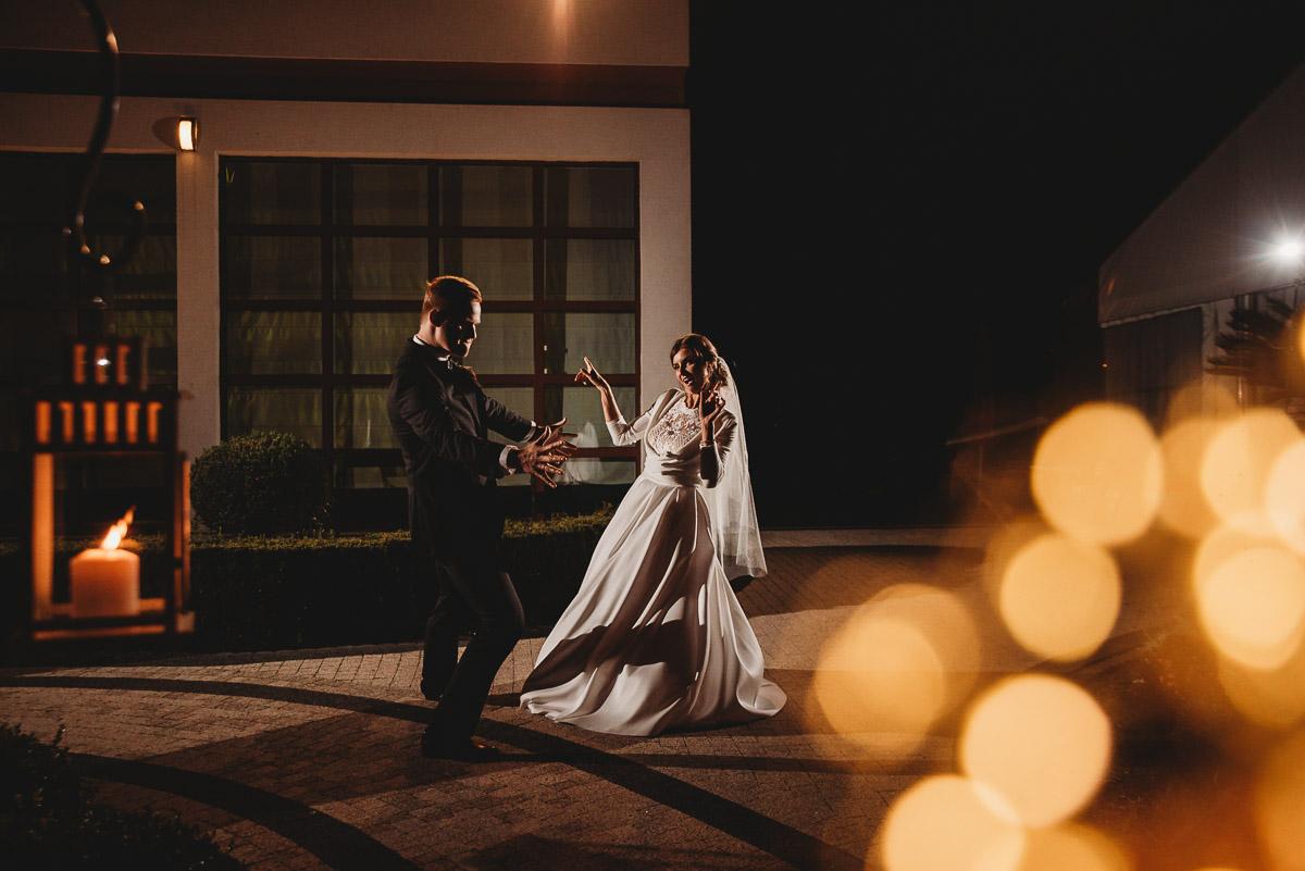 Dorota i Tomasz-wesele Hotel Kristoff Kalisz, sesja ślubna w Lubiążu 367