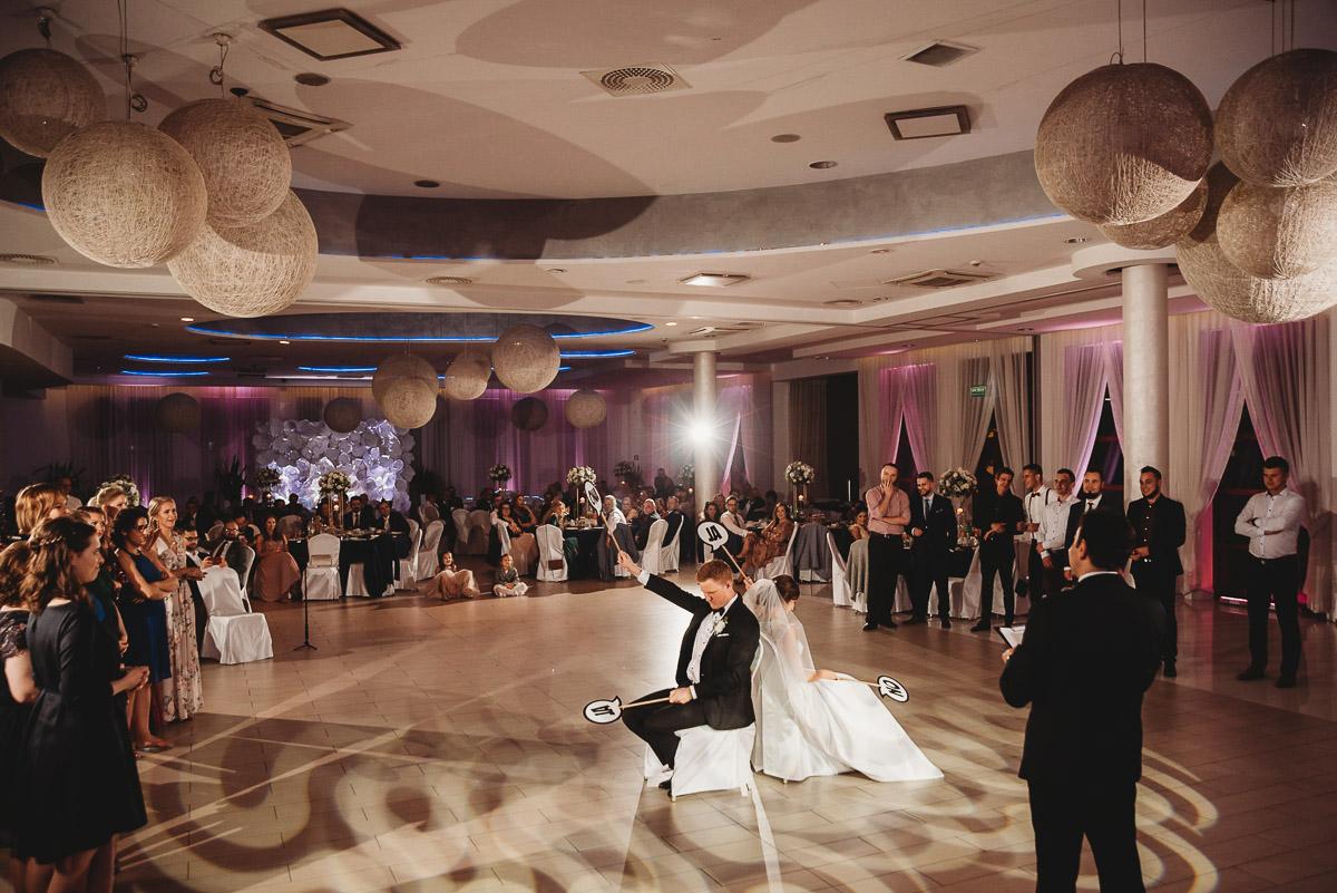 Dorota i Tomasz-wesele Hotel Kristoff Kalisz, sesja ślubna w Lubiążu 371