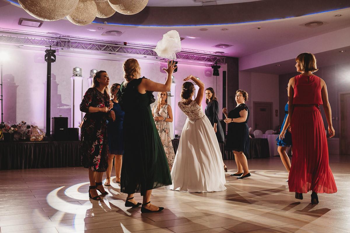Dorota i Tomasz-wesele Hotel Kristoff Kalisz, sesja ślubna w Lubiążu 373