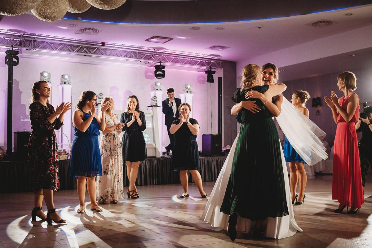 Dorota i Tomasz-wesele Hotel Kristoff Kalisz, sesja ślubna w Lubiążu 377