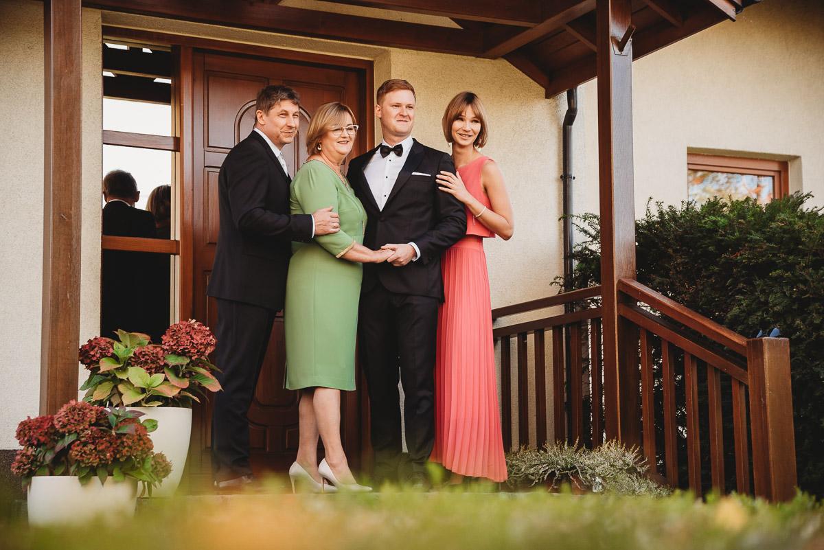 Dorota i Tomasz-wesele Hotel Kristoff Kalisz, sesja ślubna w Lubiążu 29