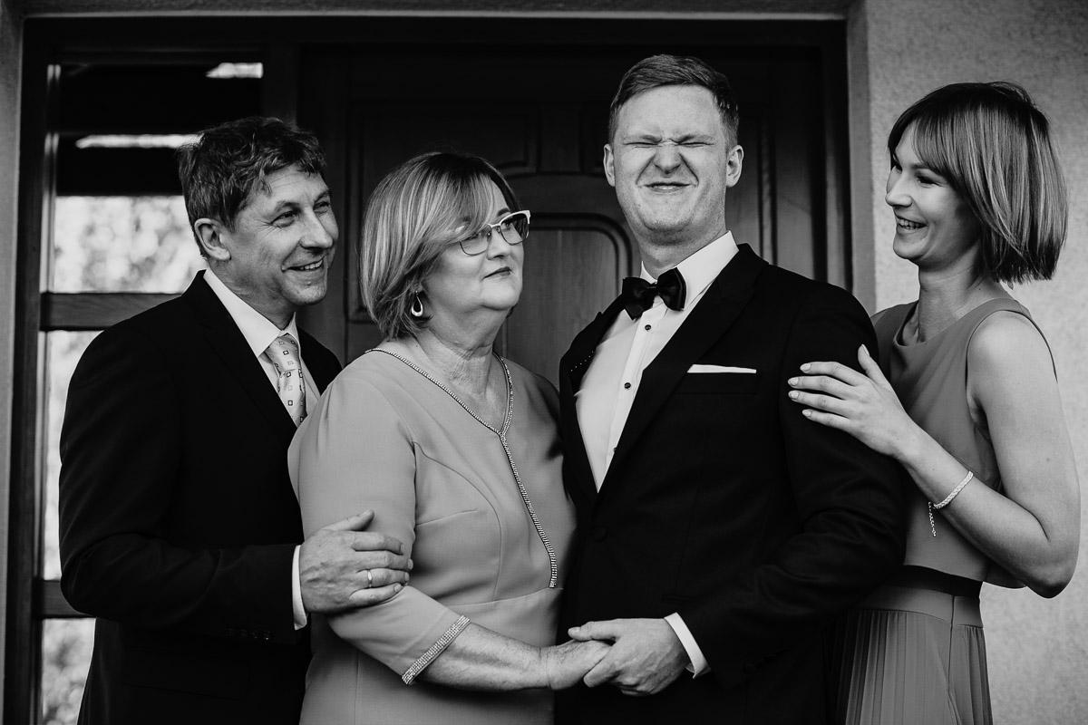 Dorota i Tomasz-wesele Hotel Kristoff Kalisz, sesja ślubna w Lubiążu 31