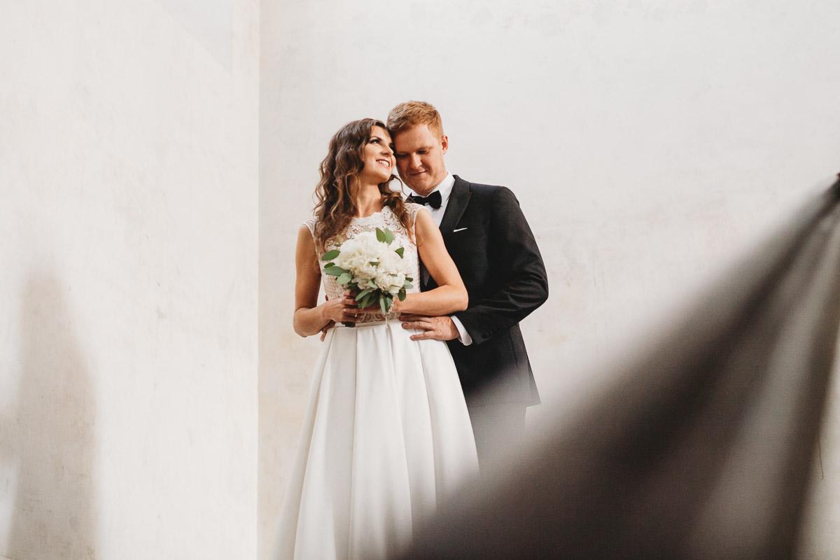 Dorota i Tomasz-wesele Hotel Kristoff Kalisz, sesja ślubna w Lubiążu 403