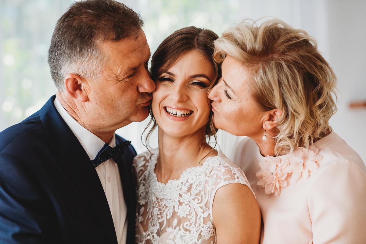 Dorota i Tomasz-wesele Hotel Kristoff Kalisz, sesja ślubna w Lubiążu 65