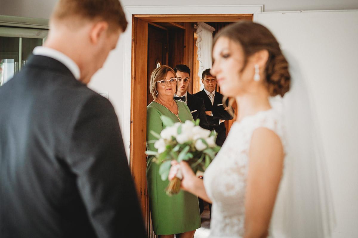 Dorota i Tomasz-wesele Hotel Kristoff Kalisz, sesja ślubna w Lubiążu 73