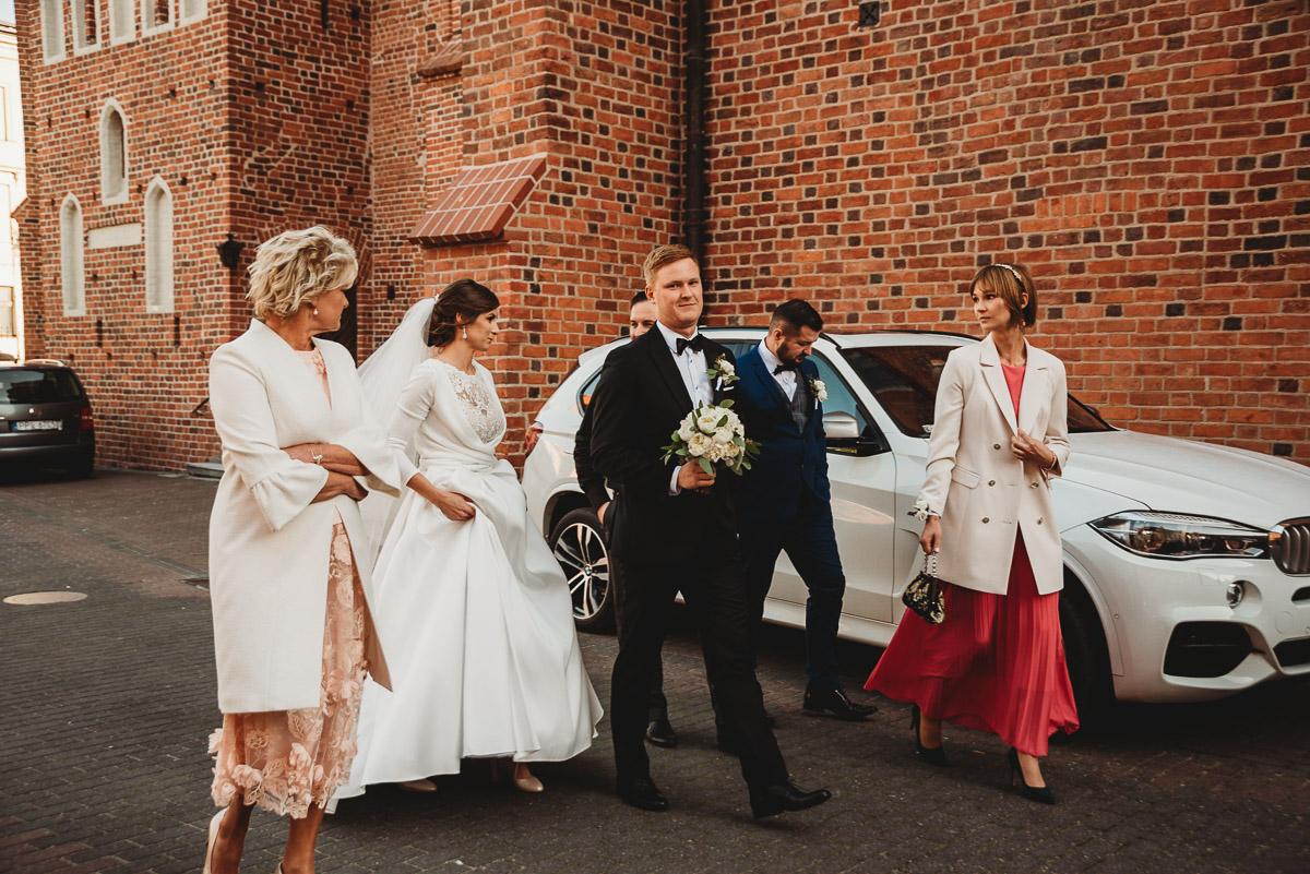 Dorota i Tomasz-wesele Hotel Kristoff Kalisz, sesja ślubna w Lubiążu 107