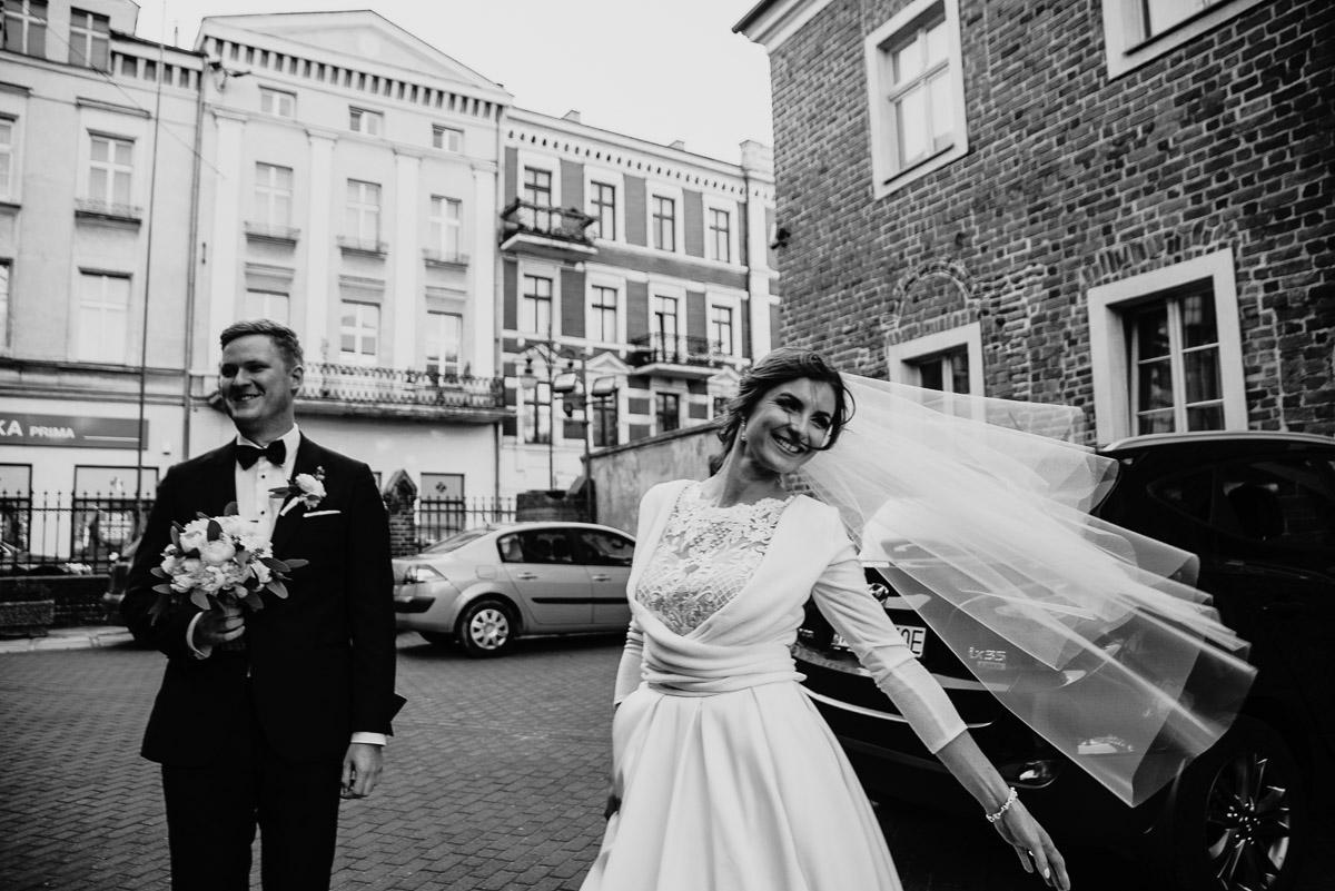 Dorota i Tomasz-wesele Hotel Kristoff Kalisz, sesja ślubna w Lubiążu 115