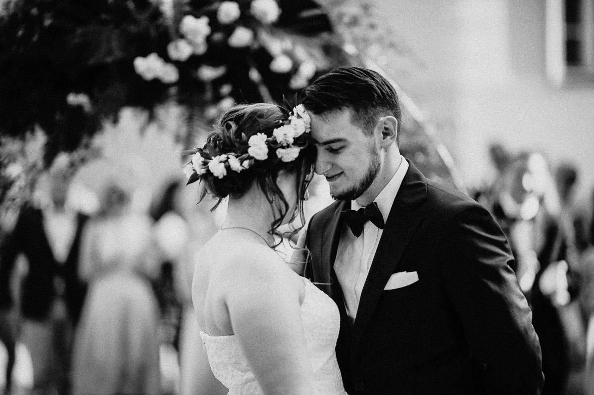 ślub plenerowy w pałacu gułtowy, sesja ślubna, wesele w pałacu, ślub cywilny, ceremonia USC