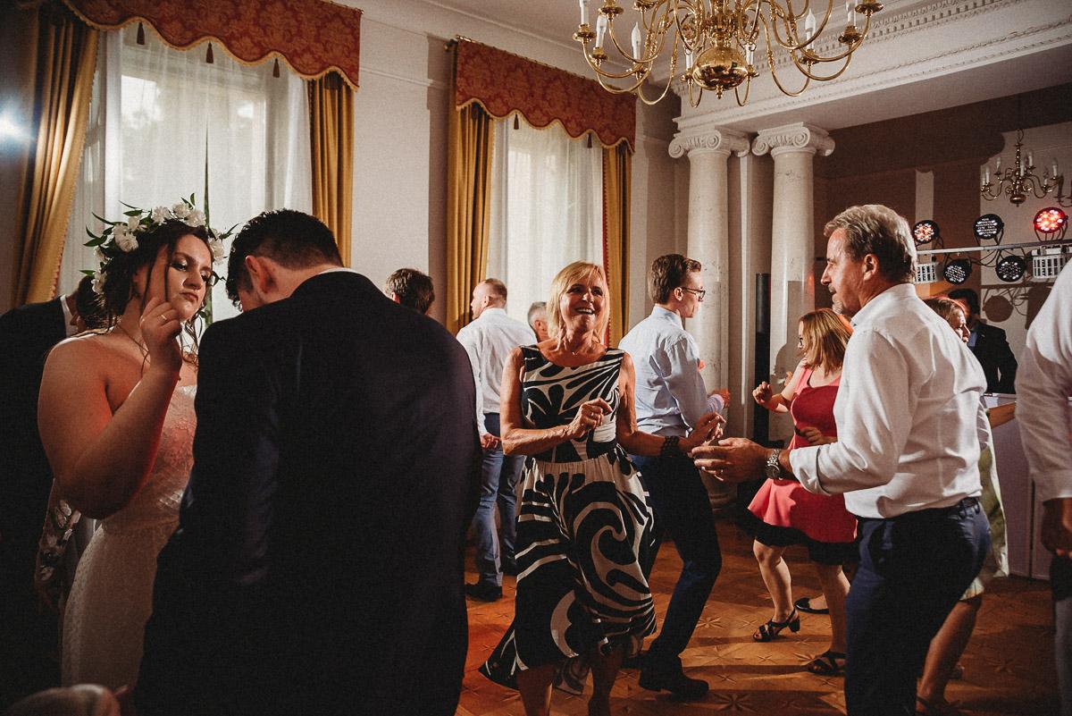 Ślub plenerowy Ani i Mateusza w Pałacu w Gułtowach koło Poznania 320