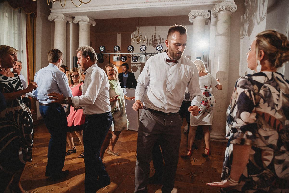 Ślub plenerowy Ani i Mateusza w Pałacu w Gułtowach koło Poznania 322