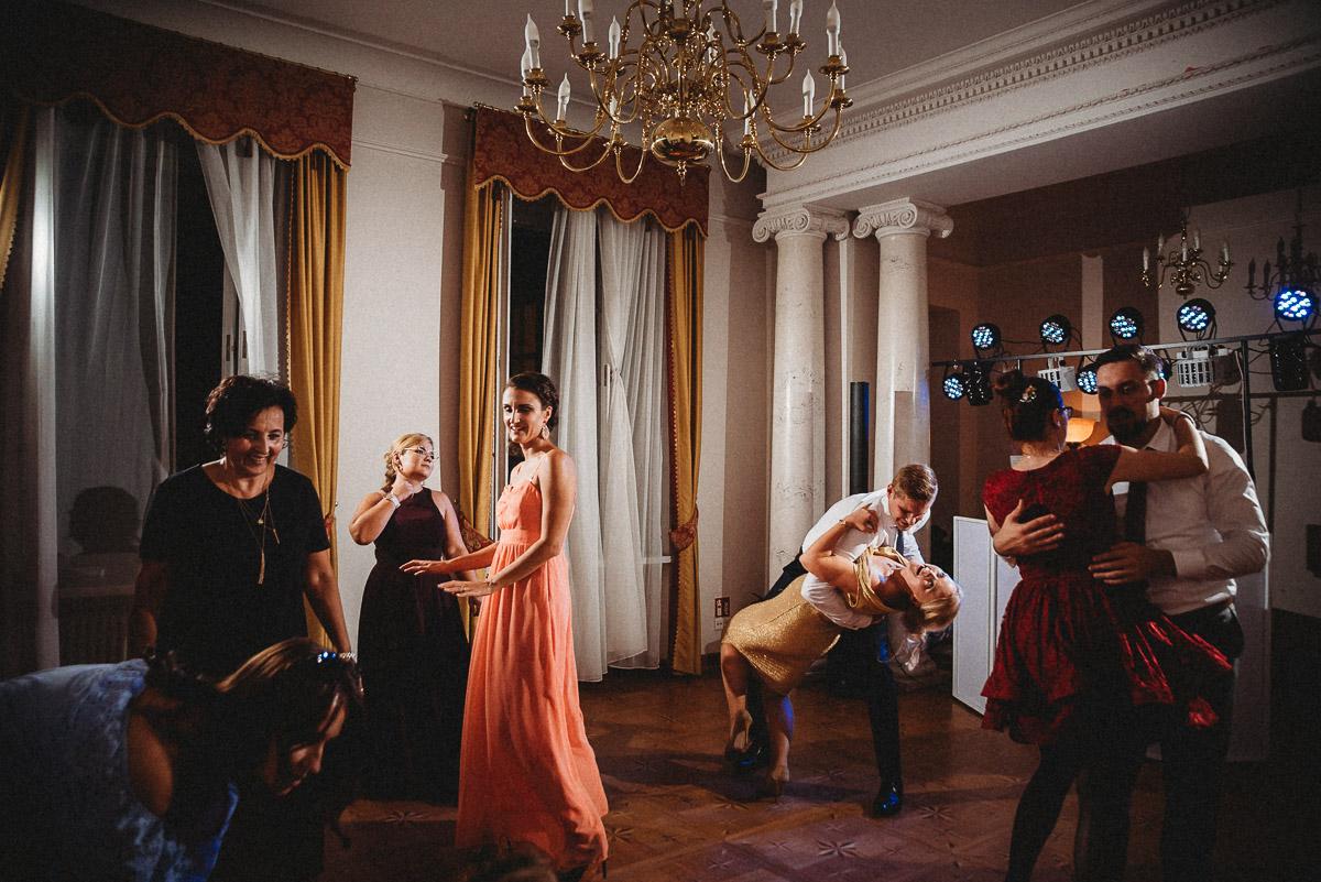 Ślub plenerowy Ani i Mateusza w Pałacu w Gułtowach koło Poznania 350