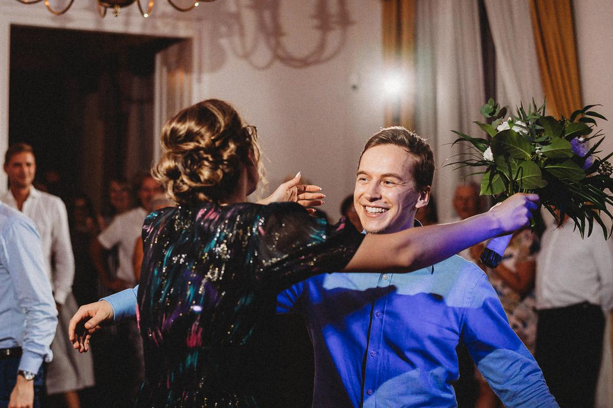 Ślub plenerowy Ani i Mateusza w Pałacu w Gułtowach koło Poznania 410