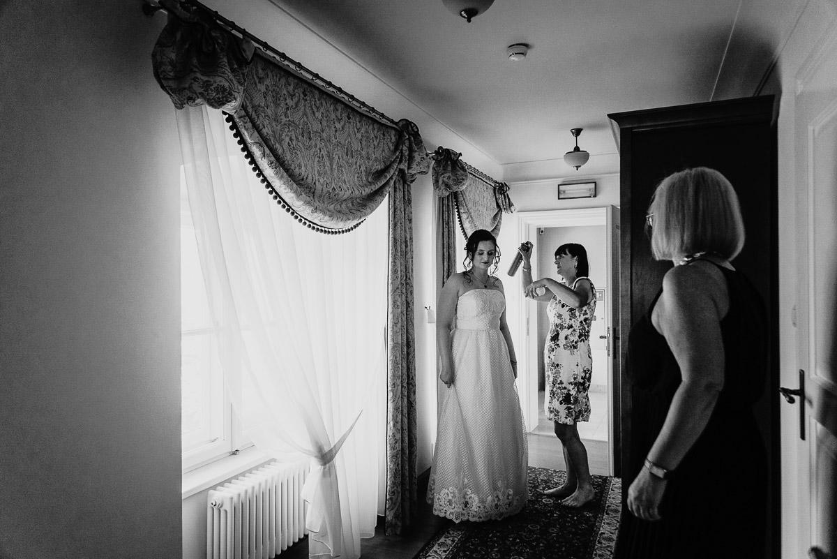 Ślub plenerowy Ani i Mateusza w Pałacu w Gułtowach koło Poznania 33