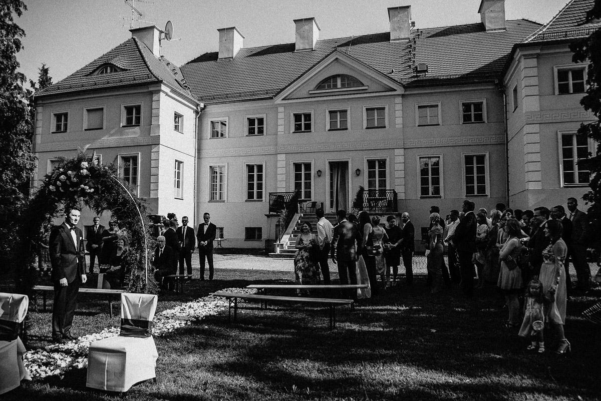 Ślub plenerowy Ani i Mateusza w Pałacu w Gułtowach koło Poznania 97