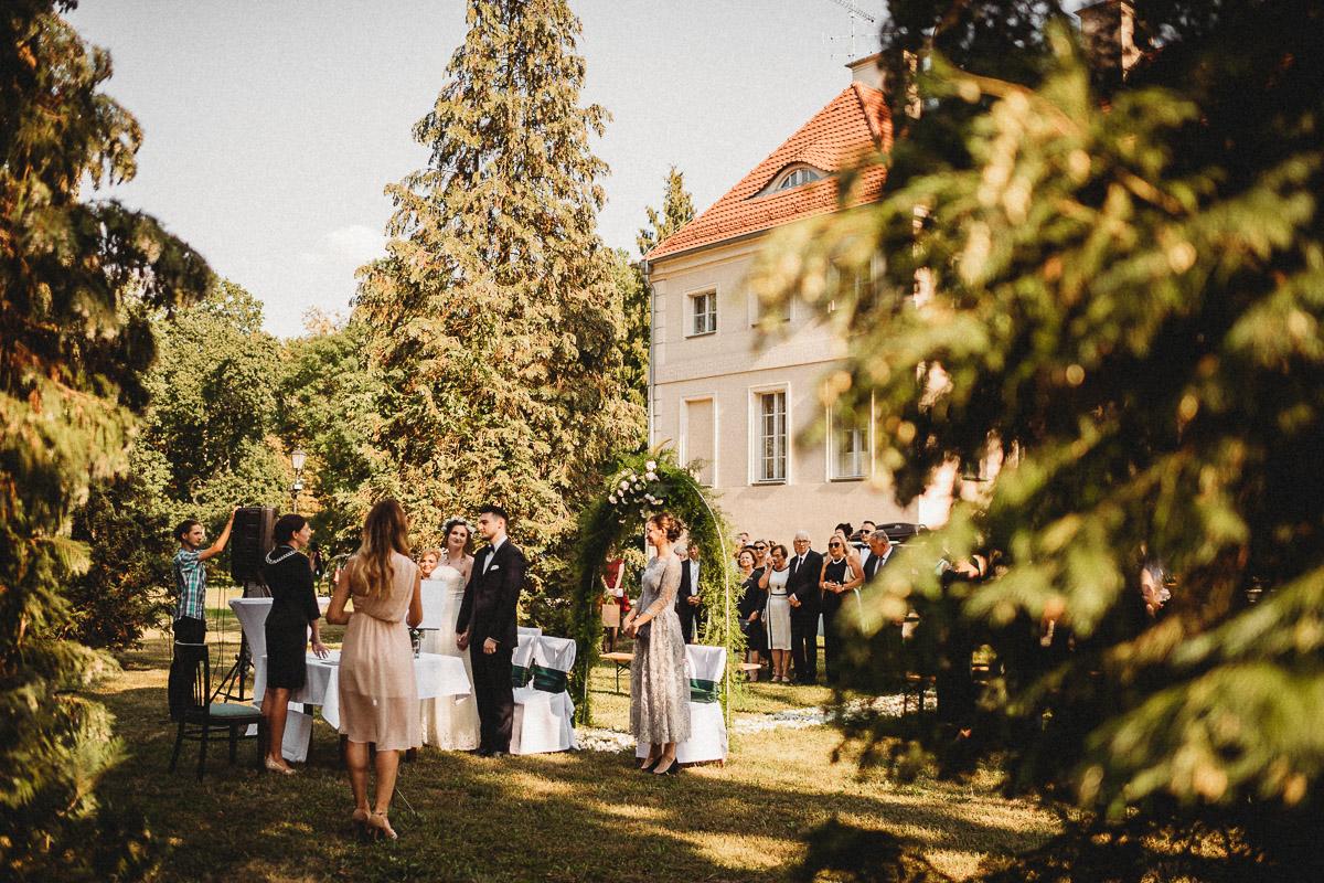 Ślub plenerowy Ani i Mateusza w Pałacu w Gułtowach koło Poznania 125