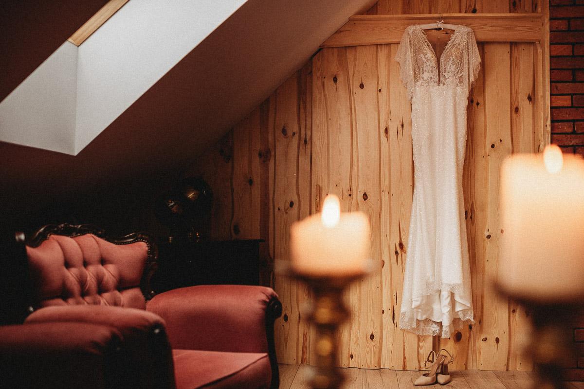 Ślubna sesja stylizowana w Skansen Bicz 49