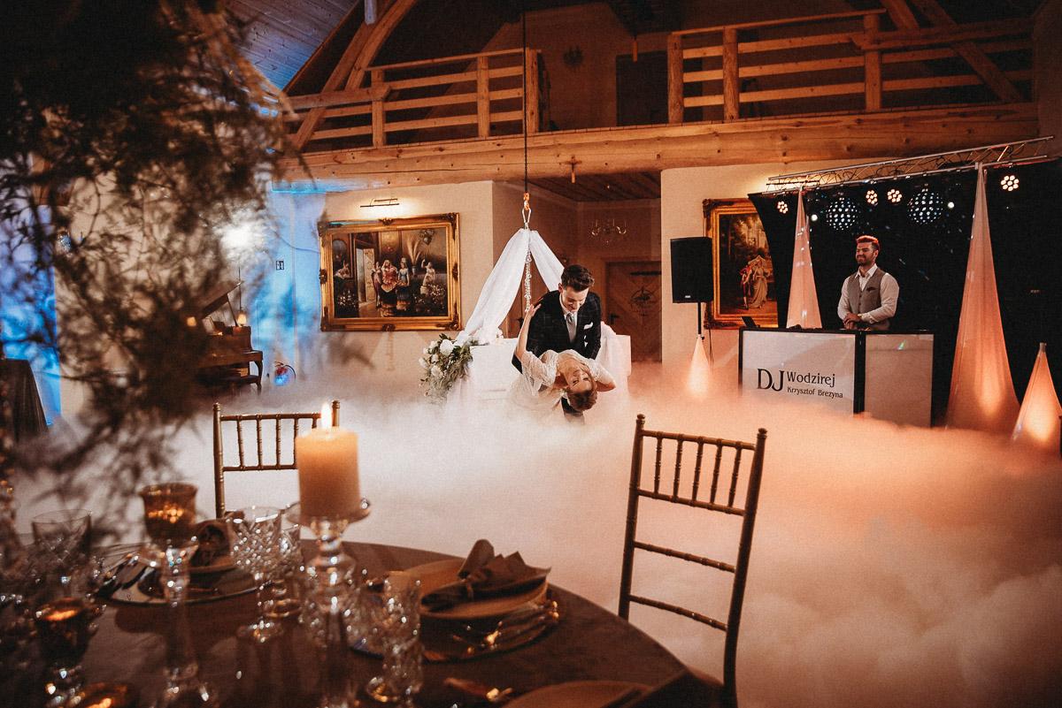 Ślubna sesja stylizowana w Skansen Bicz 71