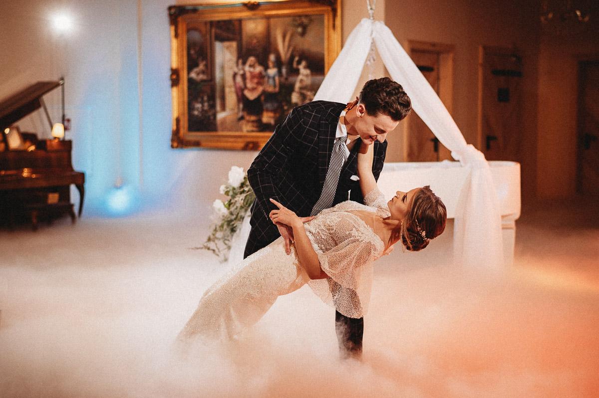 Ślubna sesja stylizowana w Skansen Bicz 73