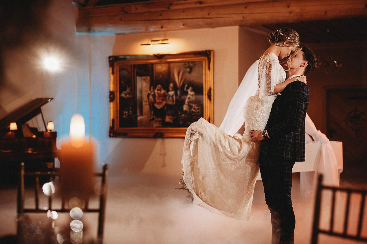 Ślubna sesja stylizowana w Skansen Bicz 75