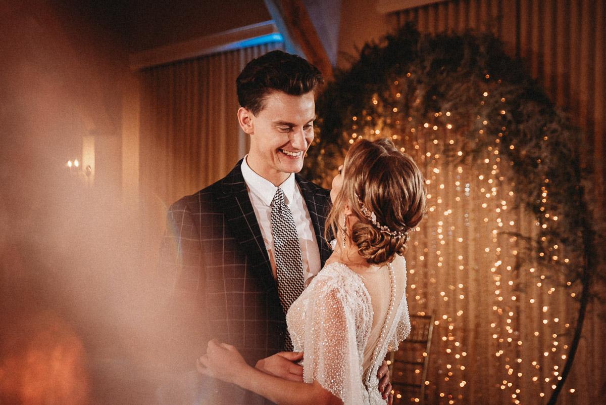 Ślubna sesja stylizowana w Skansen Bicz 81